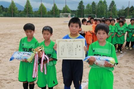 準優勝の成仁サッカースポーツ少年団