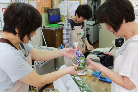 831円以上お買い上げの方には、特産物「万願寺甘とう」をプレゼント(^_^)