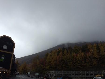 山頂は見えませんが、美味しい空気を味わいました(*^_^*)