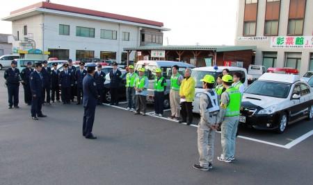 JAの他にも地域の団体様が多数加入されています。 綾部警察から事前に注意事項を受けます。