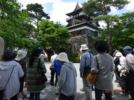 福井県の丸岡城。天守閣は日本最古になります。