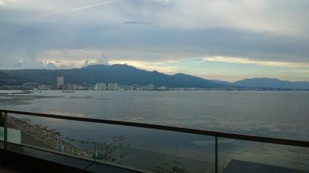 会場は琵琶湖のすぐそばでした(^^♪ 明日は琵琶湖花火大会だそうです・・。一日遅ければ。。。(>_<)笑
