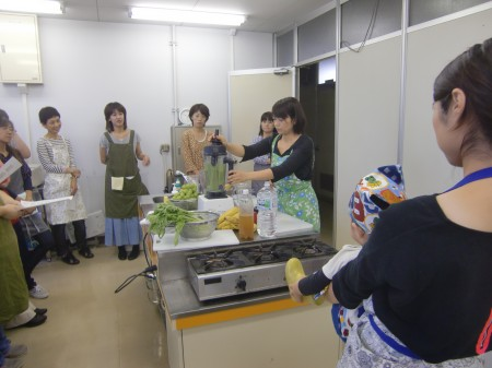 講師は、メンバーの小佐々敬子さん(^.^)