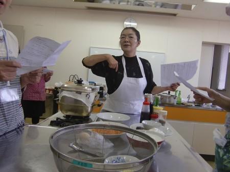講師:ヒロコクッキングスクールの西山寛子先生