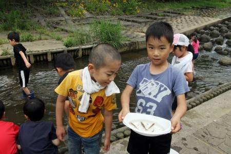 与保呂川にはエビや魚がいっぱいて、自然を満喫しました!