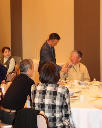 各期の担当講師(TAC)が受講生のテーブルを回り、インタビュー形式で近況を報告していただきました(^○^)