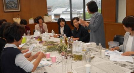 講師は部員の嵯峨根裕美さんです。