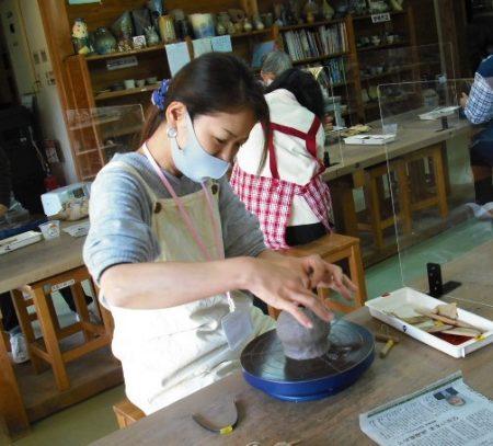 女性大学「陶芸講座」開催